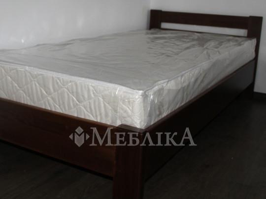 Надійне букове ліжко Рената з мінімумом деталей