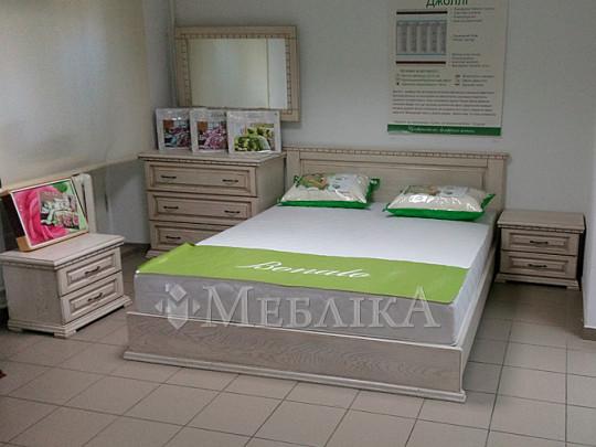 Презентабельний дубовий спальний комплект Еліт