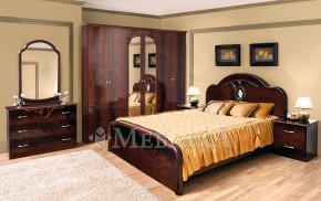 Міцний і шикарний спальний комплект Лаура