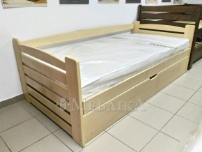 Дерев'яне ліжко з нішею «Карлсон»