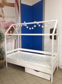 Стильне дерев'яне ліжко-будиночок Аммі для дитини